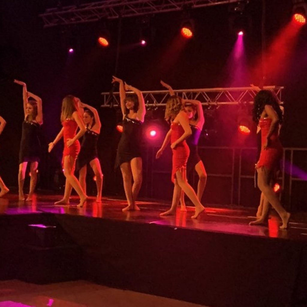 Shoon-cabaret-spectacle-christalldance